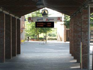 Anzeigetafel Bus-Abfahrtszeiten
